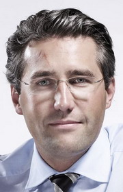 <b>...</b> neuen Finanzchef an Bord geholt: Der Schweizer <b>Michael Mueller</b> (li. - Mueller_Michael