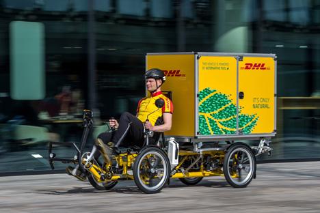 lieferung per fahrrad deutsche post dhl stellt neues modell vor. Black Bedroom Furniture Sets. Home Design Ideas